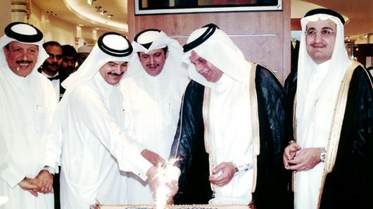 HE Mr. Abdullah bin Hamad Al Attiyah, HE Sheikh Hamad bin Suhaim Al Thani, HE Sheikh Mohammed bin Fahad Al Thani, HE Mr. Yousef Hussain Kamal Al Emadi and Mr. Bader Abdullah Al-Darwish during the opening of Modern Home, Al Maha Center